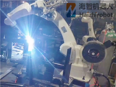 六(liu)軸(zhou)焊接機械手 機械臂(bi)應用