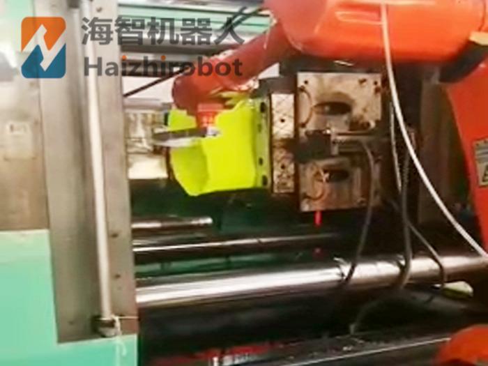 注塑机取料机械手自动化生产线案例